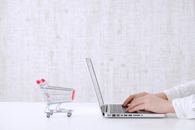 ママたちが商品レビューを見るのは、買い物金額がいくら以上のとき?
