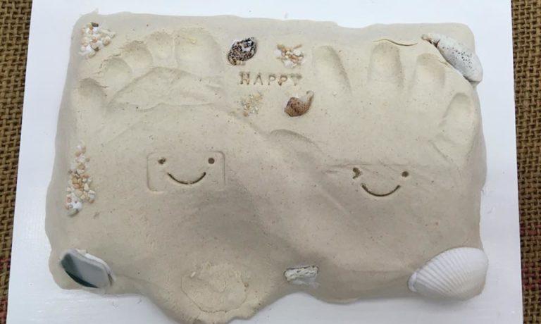 【10日】木屑の粘土で立体思い出手形