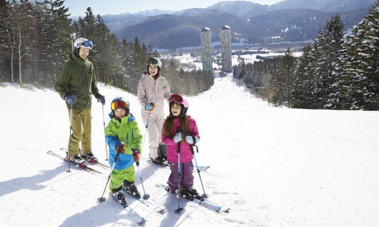 12月16日~12月28日限定!2泊3日、北海道の「星野リゾート リゾナーレトマム」に泊まって、スキーレッスン「雪ッズ70」を体験してくれるモニター募集!