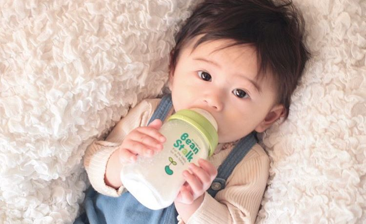 「すこやかM1 小缶」と「ビーンスターク哺乳びん 赤ちゃん思い 広口トライタンボトル」のモニターママの口コミ!