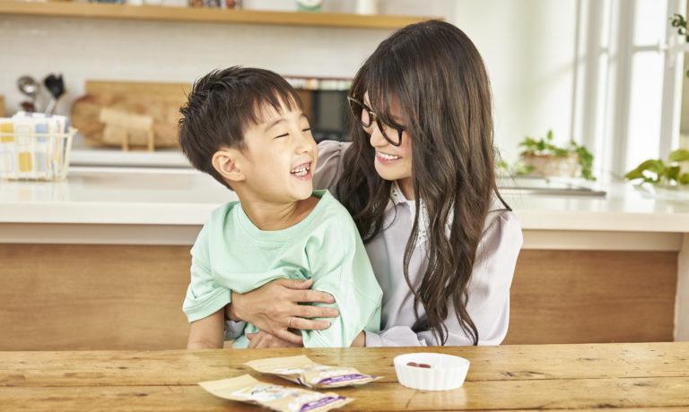 「ぐんぐん成長してほしい!」と願うママ必見♪ 伸び盛り専用・子どもの成長サポートグミ『セノッピー』