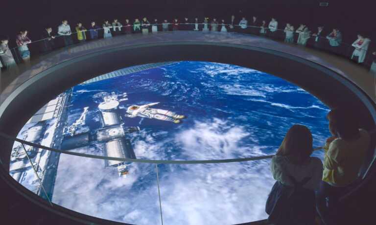 今がチャンス!4歳未満の子どもも体験できるファミリーデーを開催♪「宇宙ミュージアムTeNQ(テンキュー) 親子ペアチケット」のモニター募集!