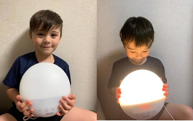 本物の太陽光のように再現するフィリップスの光目覚まし時計「SmartSleep ウェイクアップ ライト」モニターママの口コミ!