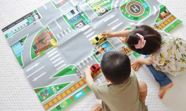 大きなマップで車遊びができる「ドライブマップ ミニカー付」モニターママの口コミ!